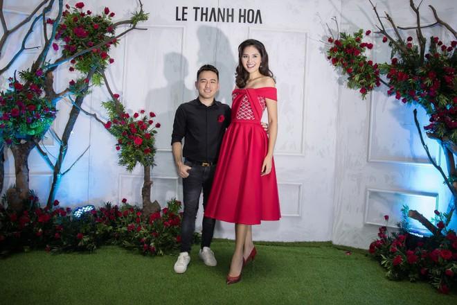 Bao nhiêu Hoa hậu hội tụ trên thảm đỏ sự kiện thời trang, nổi nhất vẫn là Phạm Hương và Đỗ Mỹ Linh - Ảnh 9.