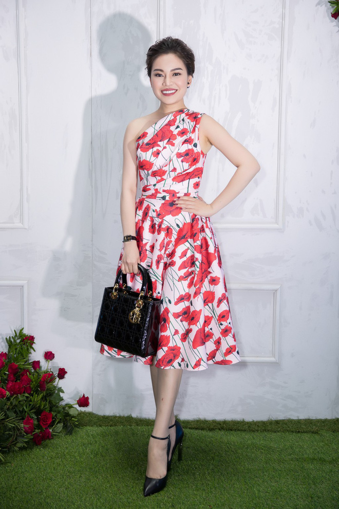Bao nhiêu Hoa hậu hội tụ trên thảm đỏ sự kiện thời trang, nổi nhất vẫn là Phạm Hương và Đỗ Mỹ Linh - Ảnh 10.