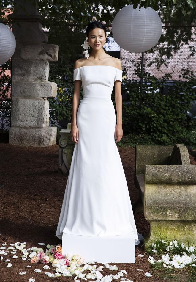 Sang năm mới cưới, nhưng đã có loạt dự đoán về chiếc váy mà hôn thê của Hoàng tử Harry sẽ mặc  - Ảnh 9.