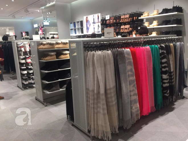H&M mở store đầu tiên tại Hà Nội: Đồ người lớn rẻ đẹp, đồ trẻ em còn được mua 2 tặng 1 - Ảnh 8.