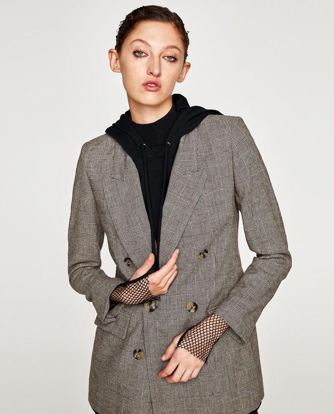 Đây chắc chắn là chiếc áo blazer được diện nhiều nhất trong thu này - Ảnh 3.