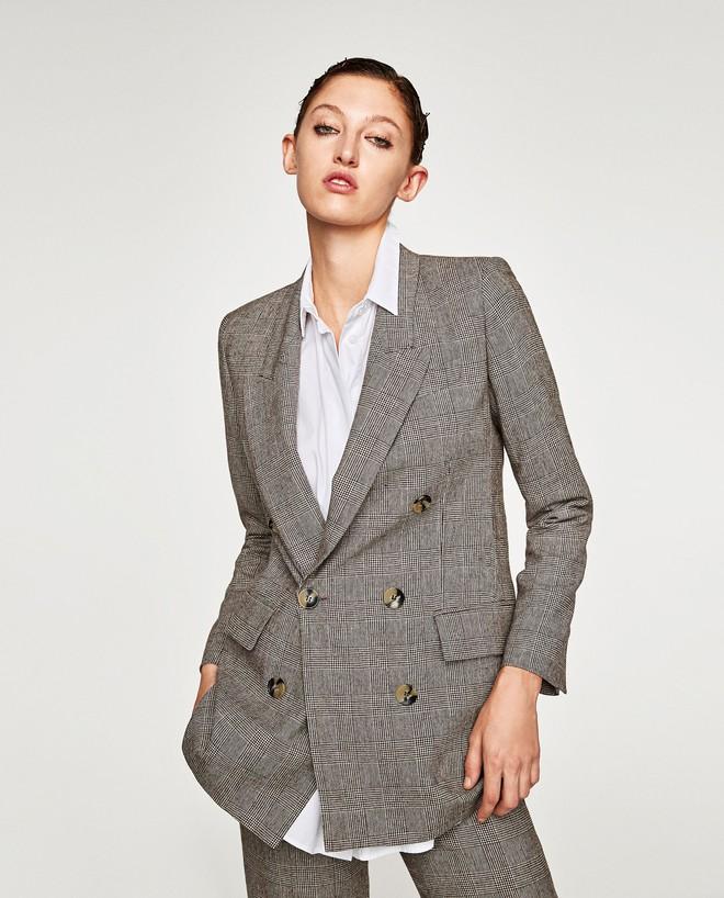 Đây chắc chắn là chiếc áo blazer được diện nhiều nhất trong thu này - Ảnh 4.