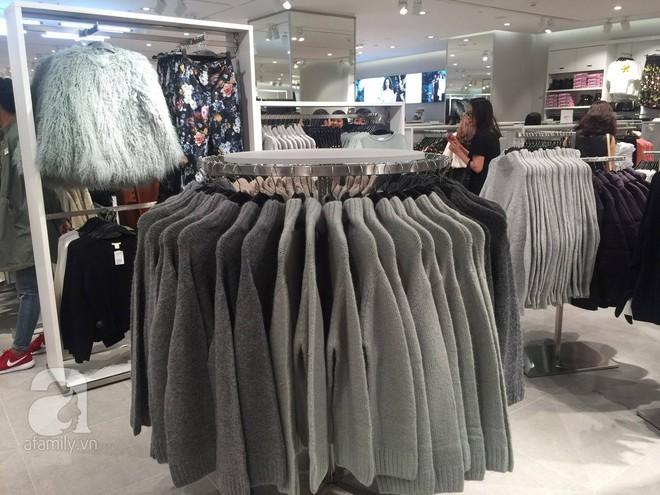H&M mở store đầu tiên tại Hà Nội: Đồ người lớn rẻ đẹp, đồ trẻ em còn được mua 2 tặng 1 - Ảnh 7.