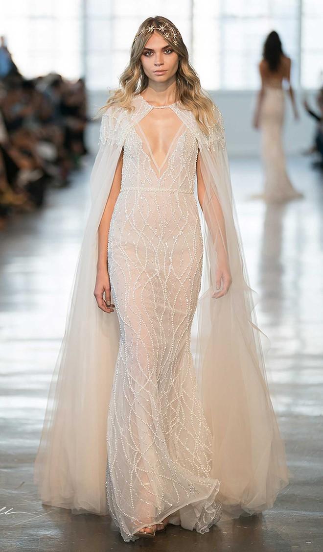 Sang năm mới cưới, nhưng đã có loạt dự đoán về chiếc váy mà hôn thê của Hoàng tử Harry sẽ mặc  - Ảnh 7.