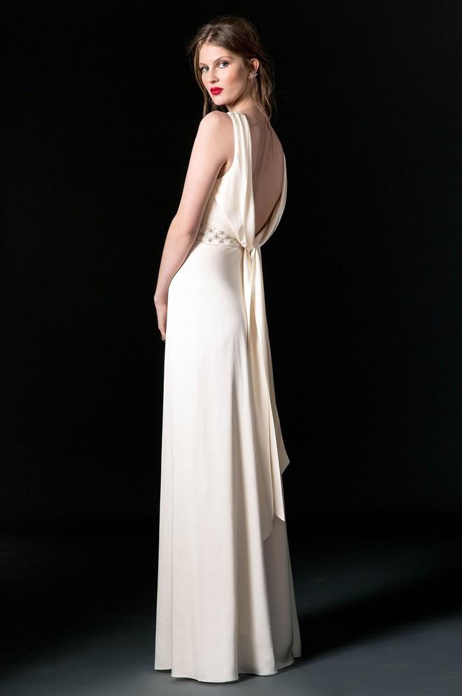 Sang năm mới cưới, nhưng đã có loạt dự đoán về chiếc váy mà hôn thê của Hoàng tử Harry sẽ mặc  - Ảnh 10.