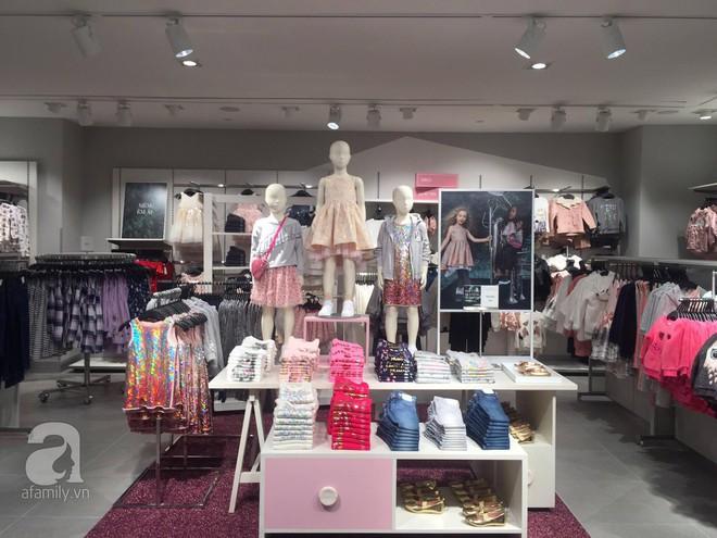 H&M mở store đầu tiên tại Hà Nội: Đồ người lớn rẻ đẹp, đồ trẻ em còn được mua 2 tặng 1 - Ảnh 9.