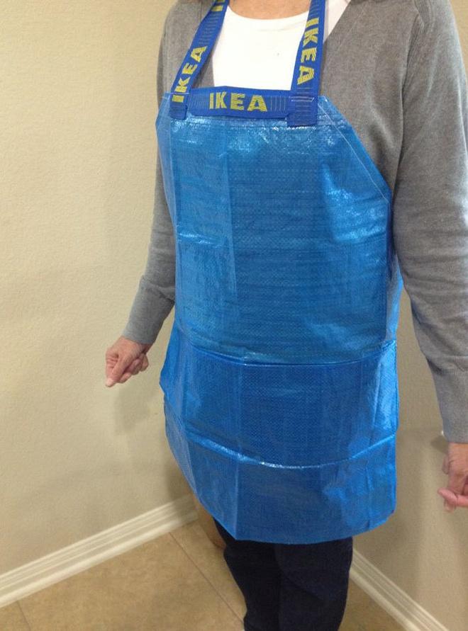 Quên vải vóc đi, giờ người ta còn dùng cả bao tải để may quần áo như thế này cơ - Ảnh 1.