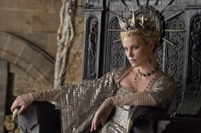 Hoàng hậu được mệnh danh là ác phụ độc dược, 3 đời chồng vẫn đẹp như đóa hồng Athens - ảnh 7