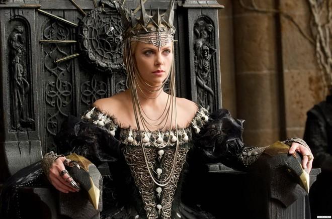 Hoàng hậu được mệnh danh là ác phụ độc dược, 3 đời chồng vẫn đẹp như đóa hồng Athens - ảnh 3