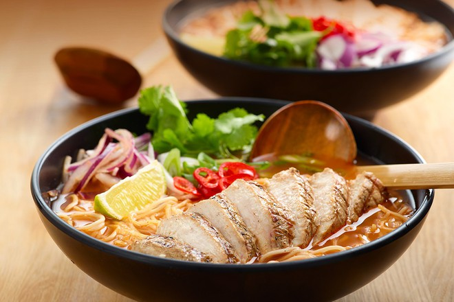 Bữa tối mùa đông chỉ cần tô mì sườn nóng hổi cũng đủ ấm lòng - Ảnh 4.