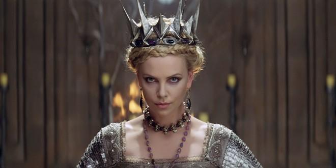 Hoàng hậu được mệnh danh là ác phụ độc dược, 3 đời chồng vẫn đẹp như đóa hồng Athens - ảnh 4