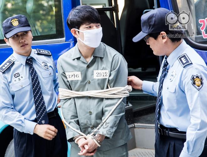 Phim của Ji Chang Wook tiết lộ bí mật không ai ngờ tới - ảnh 2