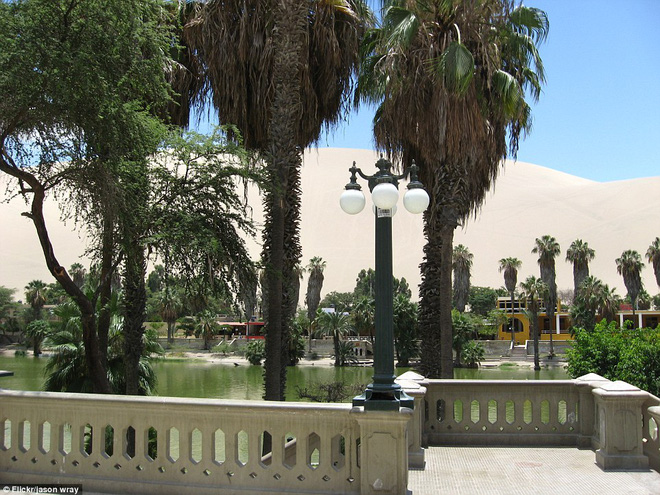 Unbelievable: In the midst of the arid desert there is a beautiful oasis in this desert - Picture 8.