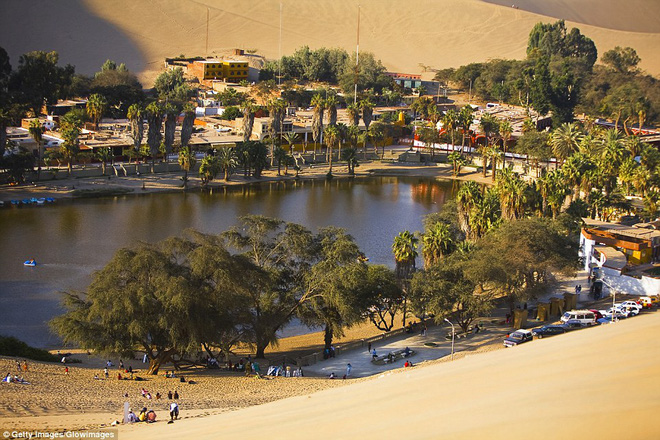 Unbelievable: In the midst of the arid desert there is a beautiful oasis in this desert - Picture 6.
