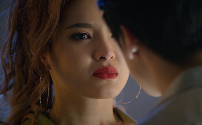 Sắc đẹp ngàn cân bản Việt tung trailer chính thức, Minh Hằng phẫu thuật thẩm mỹ đẹp ngỡ ngàng - Ảnh 6.