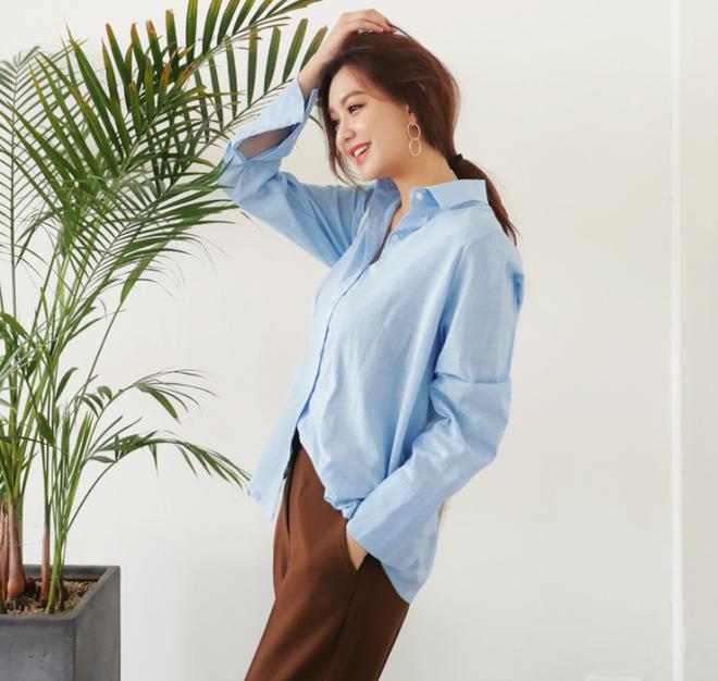 Cứ tưởng là già, nhưng năm nay vải thô đũi lại được khoác áo mới với loạt thiết kế cực trẻ - Ảnh 2.
