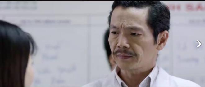 Khi không làm giang hồ, Lương Bổng (Trung Anh) cũng ra dáng bác sĩ thế này - Ảnh 3.