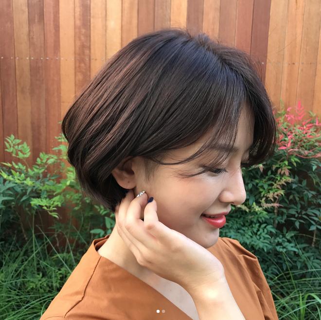 Trung thành với tóc ngắn, vì tóc ngắn vừa trẻ lại vừa có nhiều kiểu để thay đổi thế này cơ mà - Ảnh 6.
