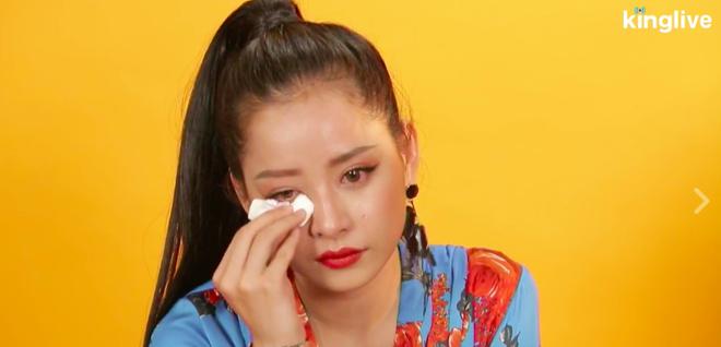 Giữa tâm bão bị chê hát dở, Chi Pu bật khóc khi đối mặt với fan - Ảnh 4.