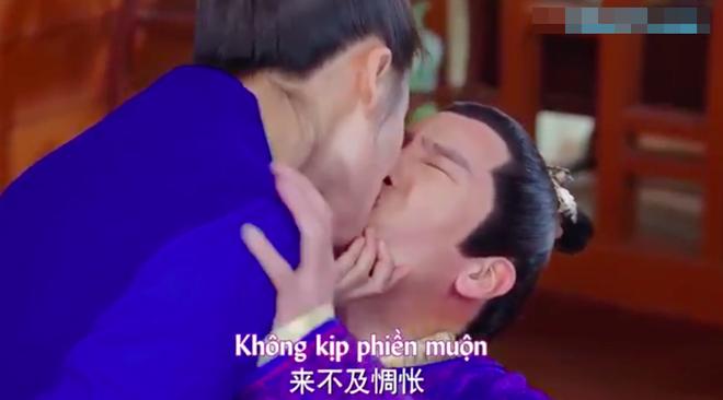Chết cười với cảnh nam chính Tướng quân ở trên suy sụp vì bị vợ cưỡng hôn - ảnh 10