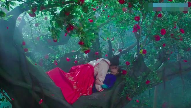 Phá ra cười với cảnh giường chiếu đầu tiên của cặp đôi Tướng quân ở trên - ảnh 5