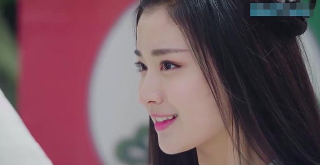 Nữ phụ đẹp nhất Tướng quân ở trên lại đốn tim fan bởi nụ cười chết người - ảnh 3