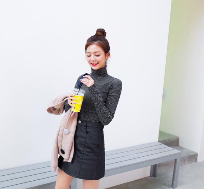 Lên đồ ấm áp cho ngày trời lạnh tăng cường với 4 kiểu chân váy chuyên dụng của mùa đông - Ảnh 9.