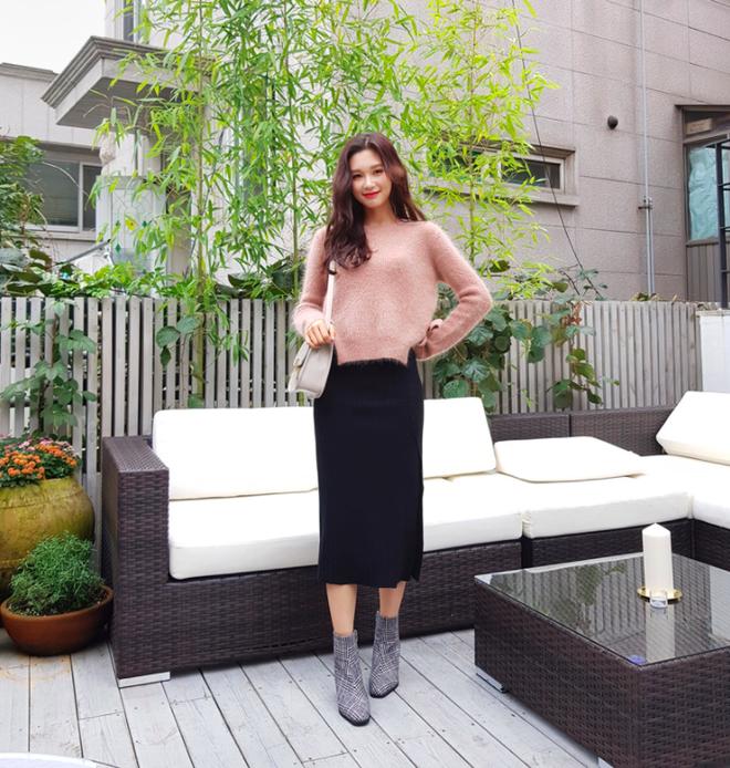 Lên đồ ấm áp cho ngày trời lạnh tăng cường với 4 kiểu chân váy chuyên dụng của mùa đông - Ảnh 6.