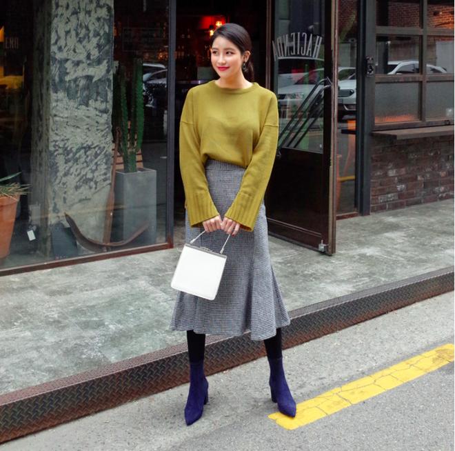 Lên đồ ấm áp cho ngày trời lạnh tăng cường với 4 kiểu chân váy chuyên dụng của mùa đông - Ảnh 5.