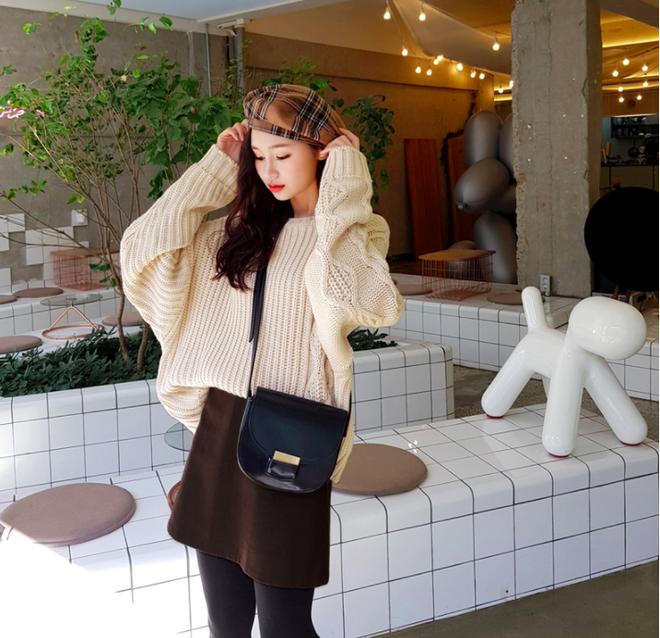 Lên đồ ấm áp cho ngày trời lạnh tăng cường với 4 kiểu chân váy chuyên dụng của mùa đông - Ảnh 17.