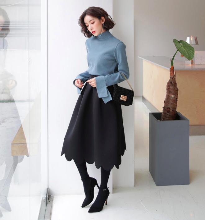 Áo len + chân váy: kết hợp thế nào để vừa ấm áp vừa gợi cảm, nữ tính trong đông này - Ảnh 5.