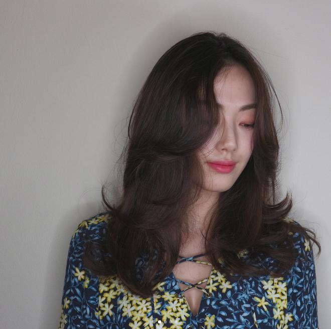Gợi ý kiểu tóc và phong cách trang điểm không mất nhiều thời gian cho dịp đi chơi đón năm mới - Ảnh 5.