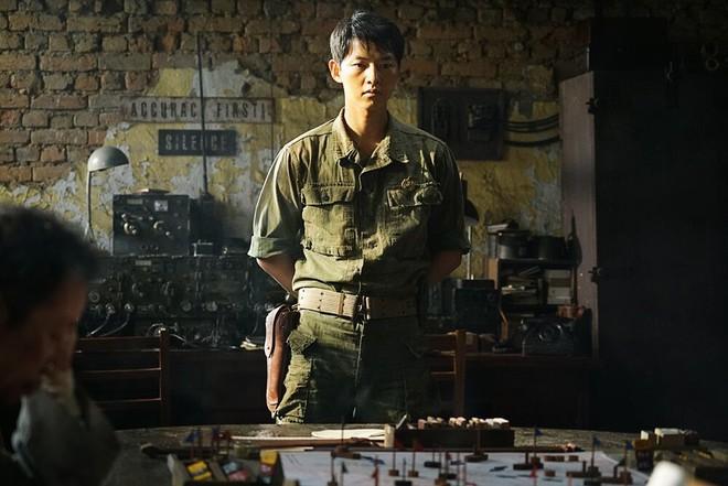 Phim mới được tung hô của Song Joong Ki chính thức xác định ngày khởi chiếu ở Việt Nam - Ảnh 8.