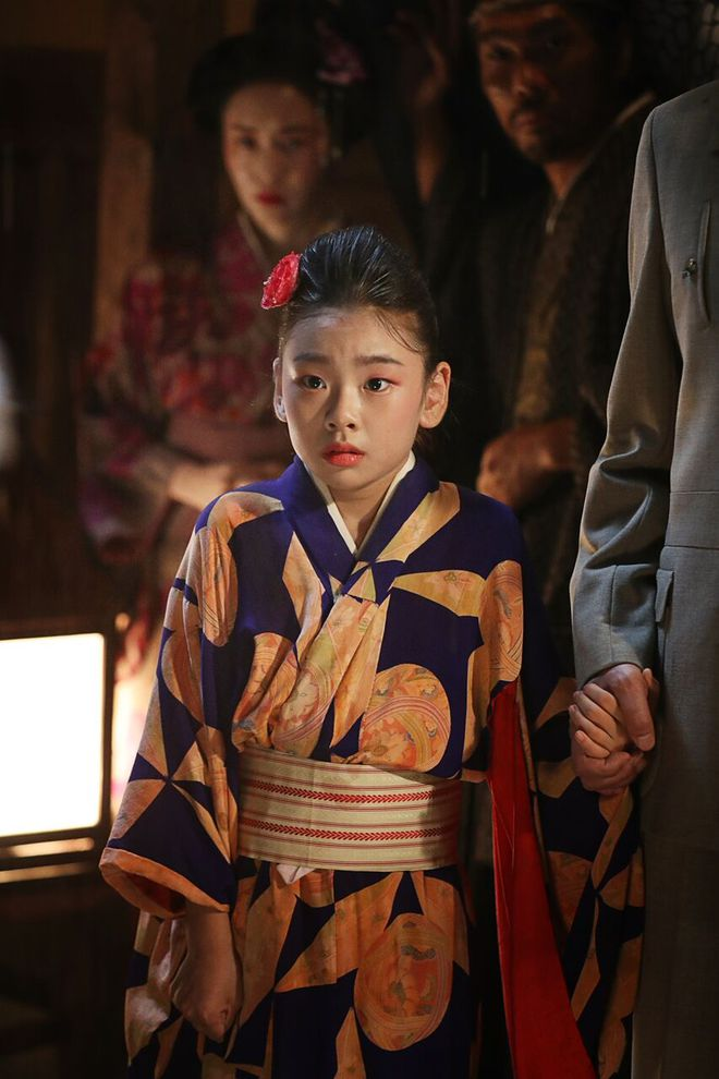 Phim mới được tung hô của Song Joong Ki chính thức xác định ngày khởi chiếu ở Việt Nam - Ảnh 11.