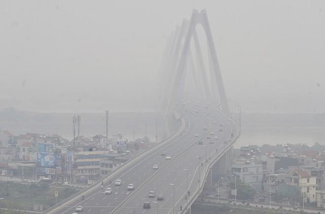 Hà Nội: Vừa nắng to, Hà Nội đã đổ sương mù dày đặc sáng sớm - Ảnh 7.