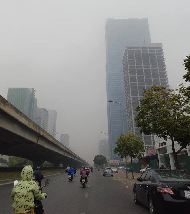 Hà Nội: Vừa nắng to, Hà Nội đã đổ sương mù dày đặc sáng sớm - Ảnh 8.