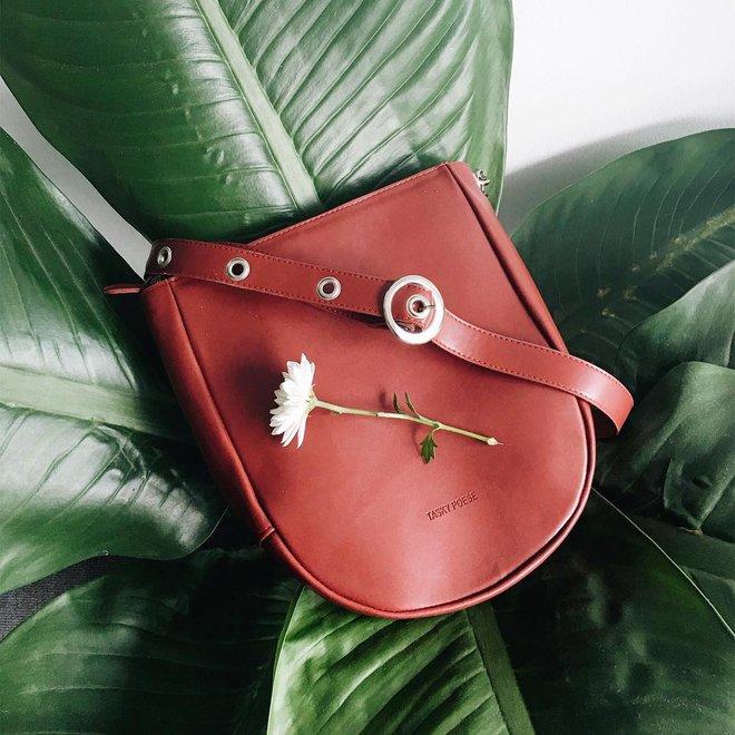 Túi thiết kế của Việt Nam giờ không chỉ đẹp mà còn trendy chẳng kém gì túi hiệu đắt đỏ - Ảnh 3.