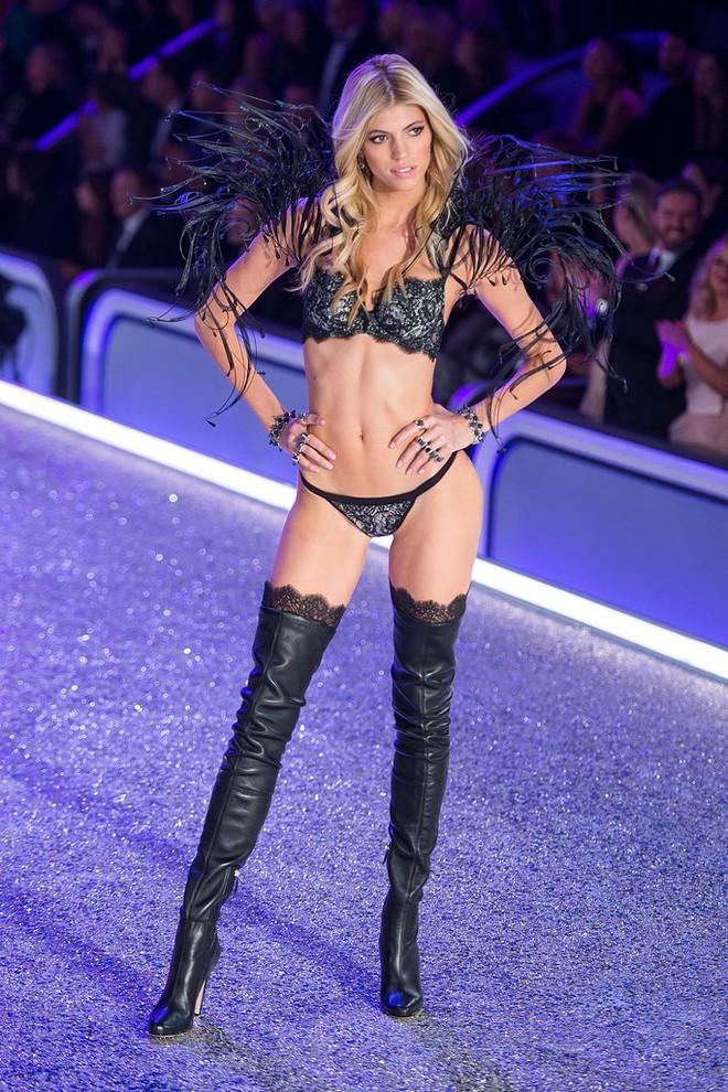 Không phải tập nặng, vẫn ăn bánh kem ngọt, Devon Windsor – cựu thiên thần Victoria's Secret vẫn giữ dáng đẹp từng centimet - Ảnh 6.