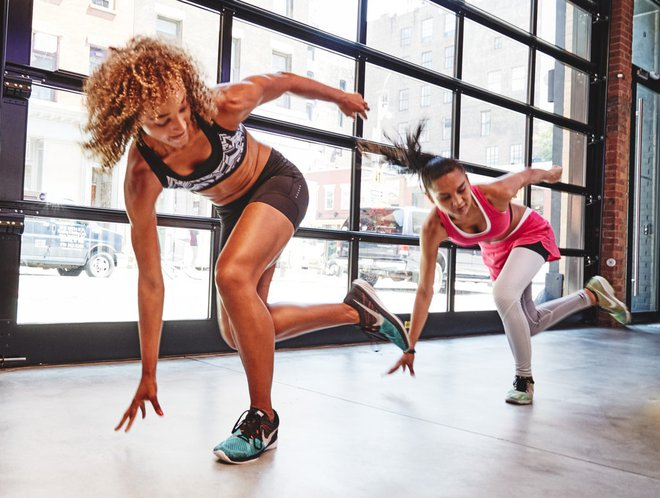 Vì những sai lầm trong tập luyện này, bạn đang đánh mất cơ bắp dần mòn mà không hay biết - Ảnh 6.