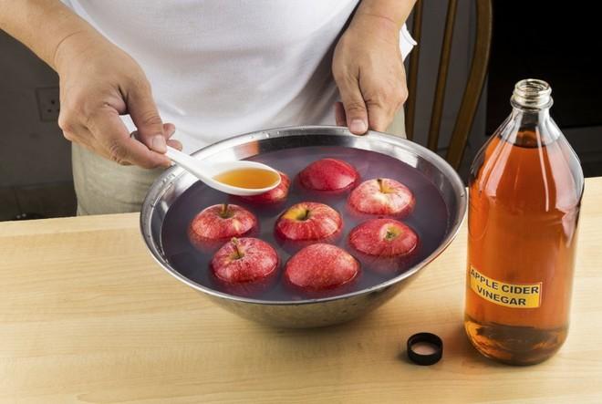 Không chỉ thêm chua, giấm còn có vô số công dụng đắt giá trong nấu nướng mà bạn nên biết - Ảnh 5.