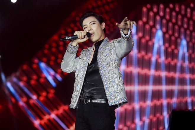 Fan Việt đội mưa hơn 5 tiếng chờ xem concert T-ara tại Việt Nam - Ảnh 12.