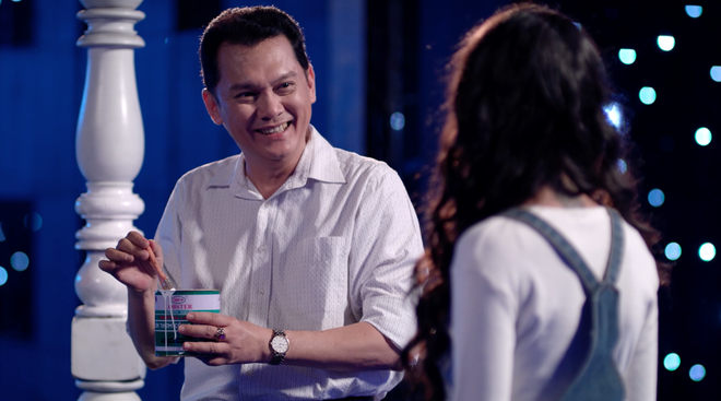 Angela Phương Trinh lại tiếp tục hôn Rocker Nguyễn say đắm - Ảnh 6.