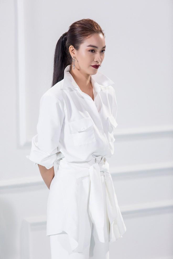 Phạm Hương - Minh Tú thay nhau gọi thí sinh The Look lớn hơn tuổi là em - Ảnh 5.