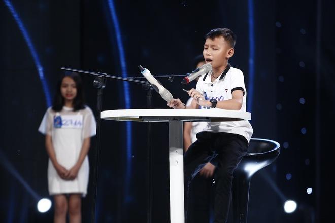 Ai cũng sẽ rớt nước mắt khi xem bé khiếm thị Minh Hiền hát Gặp mẹ trong mơ - Ảnh 14.