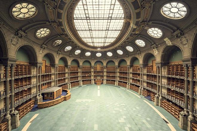 Ghé thăm những thư viện đẹp lung linh huyền bí như lâu đài trong truyện cổ tích - ảnh 11