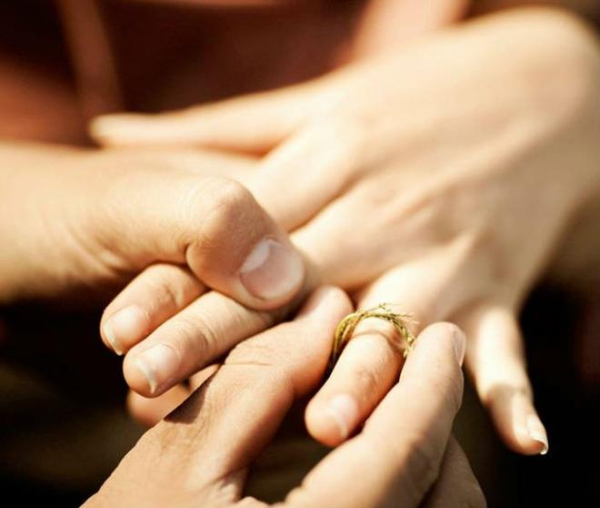 Tình yêu ngày xưa của ông bà đẹp lắm, chạm tay nhau thôi là nhớ nhau suốt đời - Ảnh 4.