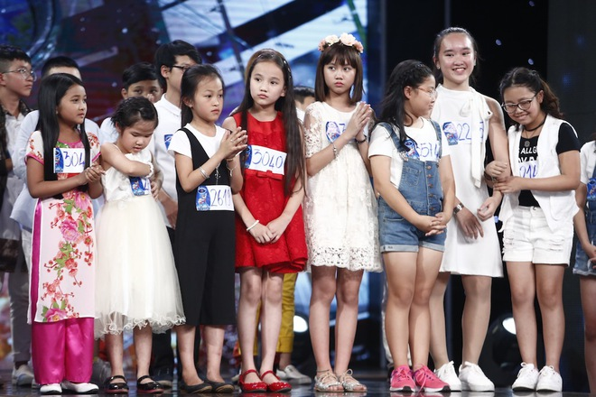 Ai cũng sẽ rớt nước mắt khi xem bé khiếm thị Minh Hiền hát Gặp mẹ trong mơ - Ảnh 16.