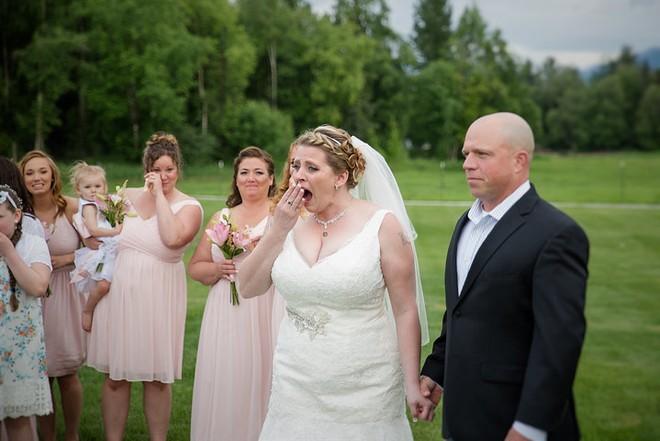 Không ai dám ngờ món quà chú rể tặng cô dâu trong ngày cưới chính là trái tim của con trai - Ảnh 1.
