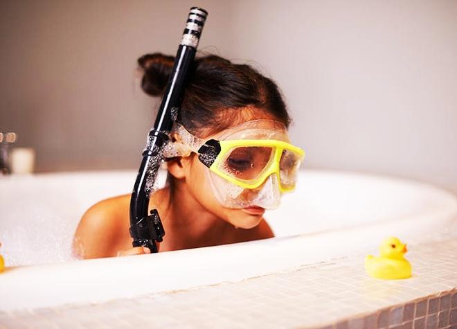 """Đi guốc trong bụng, mẹ lật tẩy 27 """"chiêu trò"""" của trẻ lười không chịu tắm - Ảnh 6."""