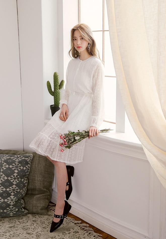 Bên cạnh váy hoa, thì vẫn còn 5 mẫu váy để các nàng diện vừa đẹp vừa mát hè này - Ảnh 10.